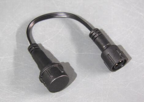 R1オス-R2メス変換ケーブル