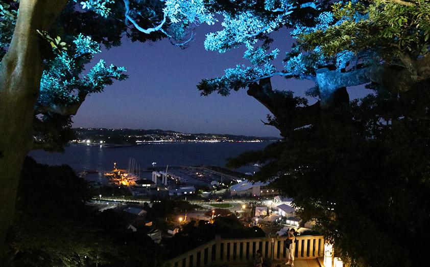 江の島の伝説を光の演出で表現